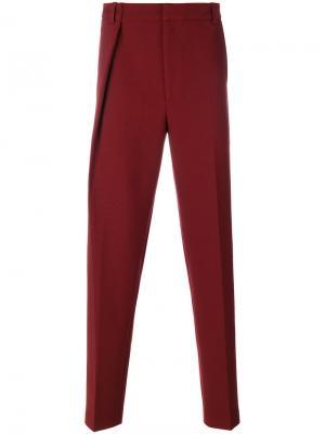 Прямые брюки со складками Martine Rose. Цвет: красный