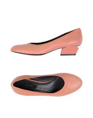 Туфли MARC JACOBS. Цвет: лососево-розовый