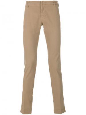 Классические брюки-чинос Entre Amis. Цвет: телесный