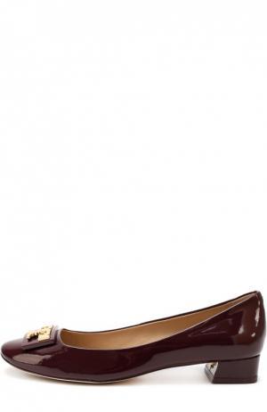 Лаковые туфли с пряжкой на низком каблуке Tory Burch. Цвет: бордовый