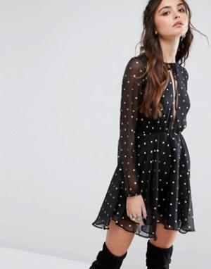 Lovers + Friends Короткое приталенное платье в горошек. Цвет: мульти