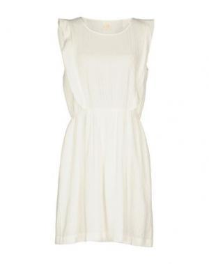Короткое платье DES PETITS HAUTS. Цвет: белый