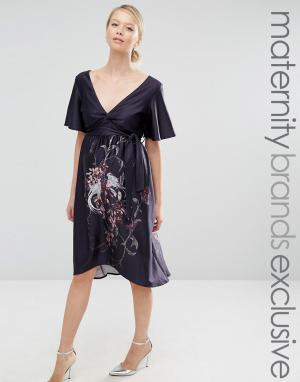 Hope and Ivy Maternity Платье миди с принтом, рукавом-бабочкой и асимметричным подолом &. Цвет: серый