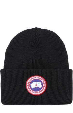 Шерстяная вязаная шапка с логотипом бренда Canada Goose. Цвет: черный