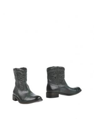Полусапоги и высокие ботинки STRATEGIA. Цвет: зеленый
