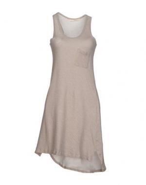 Короткое платье GOLD CASE SOGNO. Цвет: светло-серый