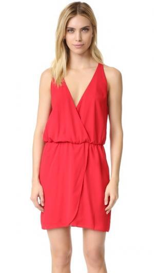 Платье-халат с запахом спереди WAYF. Цвет: красный