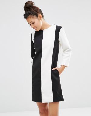 The WhitePepper Шерстяное платье в полоску. Цвет: черный