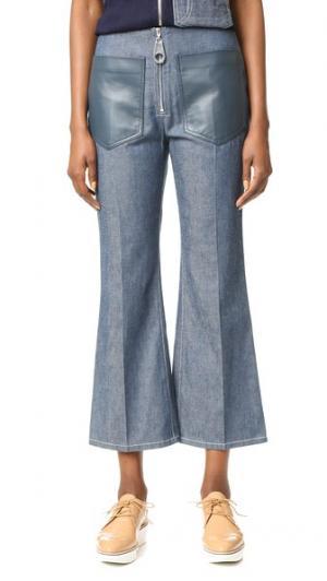 Расклешенные брюки из денима EDUN. Цвет: кобальт