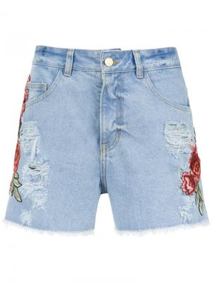 Embroidered patches jeans shorts Martha Medeiros. Цвет: none