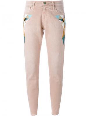 Джинсы с вышивкой Sandrine Rose. Цвет: розовый и фиолетовый