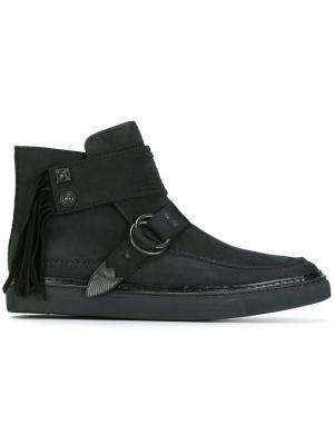 Ботинки с ремешками и кисточками Toga Virilis. Цвет: чёрный