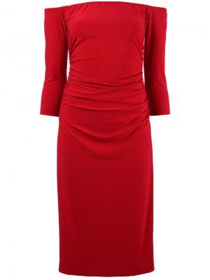 Платье с открытыми плечами и сборкой на талии Norma Kamali. Цвет: красный