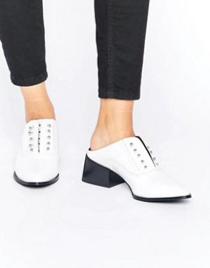 Sol Sana Белые лакированные кожаные туфли Claire. Цвет: белый