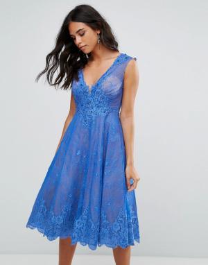 Forever Unique Приталенное кружевное платье миди. Цвет: синий