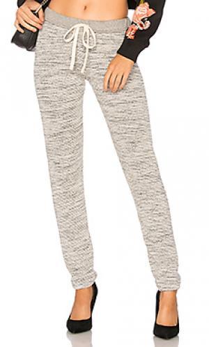 Свободные брюки MONROW. Цвет: серый