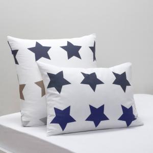 Наволочка STARS La Redoute Interieurs. Цвет: звезды/фон белый
