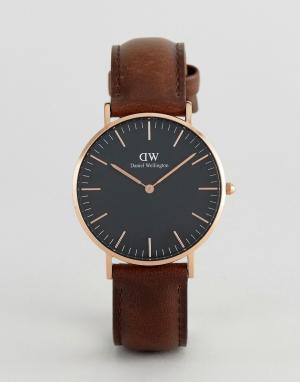 Daniel Wellington Классические часы 36 мм с коричневым кожаным ремешком Wellingto. Цвет: коричневый