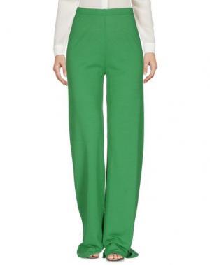 Повседневные брюки NEERA. Цвет: зеленый