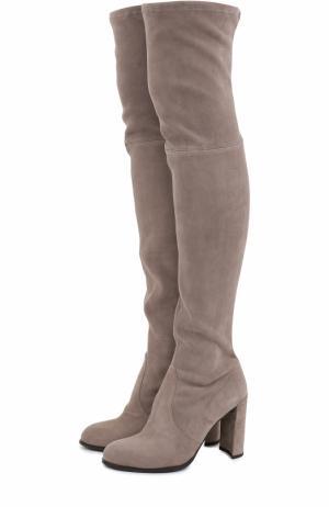 Замшевые ботфорты Hiline на устойчивом каблуке Stuart Weitzman. Цвет: серый