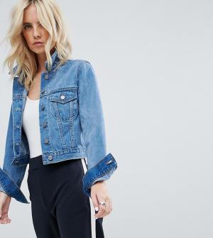 ASOS Petite Выбеленная синяя джинсовая куртка. Цвет: синий