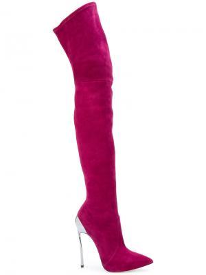 Сапоги-ботфорты на шпильках Casadei. Цвет: розовый и фиолетовый