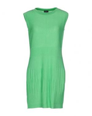 Короткое платье NEERA. Цвет: зеленый