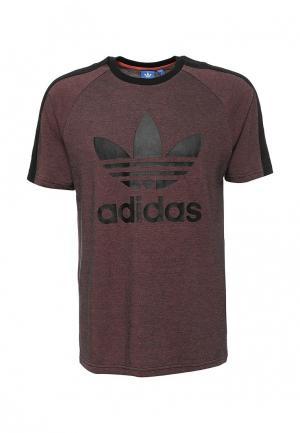Футболка adidas Originals. Цвет: бордовый