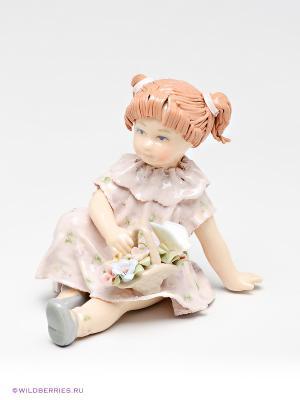 Фигурка Девочка с цветами Pavone. Цвет: бежевый, бледно-розовый, коричневый
