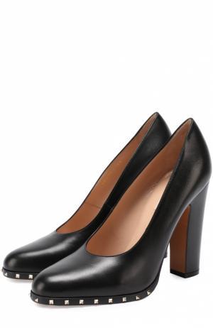 Кожаные туфли Soul Rockstud на устойчивом каблуке Valentino. Цвет: черный