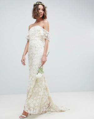 ASOS Edition Платье-бандо макси с кружевом. Цвет: белый