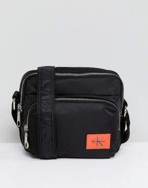 Calvin Klein Нейлоновая сумка. Цвет: черный