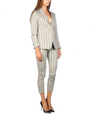 Классический костюм BRIAN DALES. Цвет: светло-серый