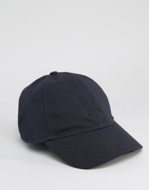 Jordan Черная кепка Nike H86 847143-010. Цвет: черный