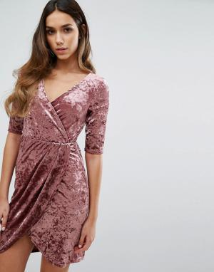 Club L Бархатное платье с запахом спереди. Цвет: розовый