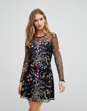 RD & Koko Платье с сетчатым верхним слоем, длинными рукавами и цветочной вышивко. Цвет: черный
