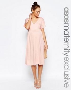 ASOS Maternity Платье миди для беременных с рукавом-бабочкой. Цвет: розовый