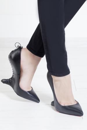 Кожаные туфли Conquilla 120 Christian Louboutin. Цвет: черный