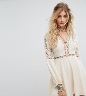 Kiss The Sky Платье с длинными рукавами, кружевными и решетчатыми вставками Th. Цвет: кремовый