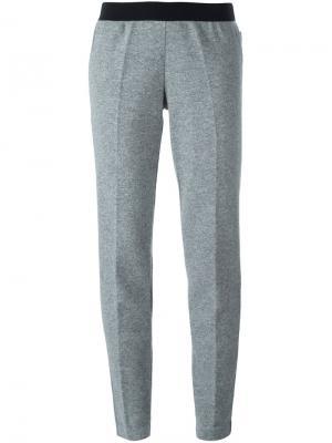 Зауженные трикотажные брюки Moncler. Цвет: серый