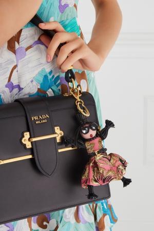 Брелок в виде куклы Jasmine Prada. Цвет: розовый