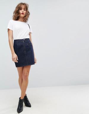 ASOS Синяя джинсовая мини-юбка с коричневыми строчками. Цвет: синий