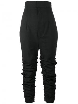 Узкие брюки с драпировкой Jacquemus. Цвет: серый