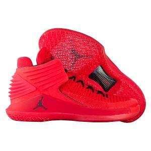 Кроссовки Jordan. Цвет: красный