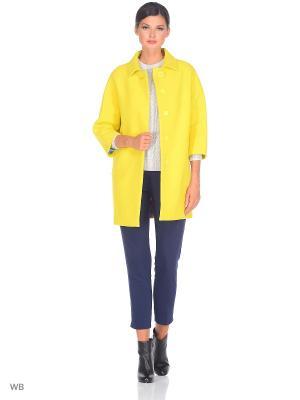 Пальто FLI.RT. Цвет: желтый