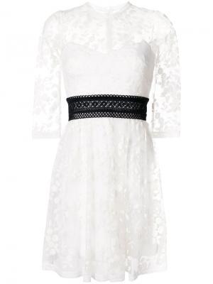 Платье Weiss ампирного силуэта Three Floor. Цвет: белый