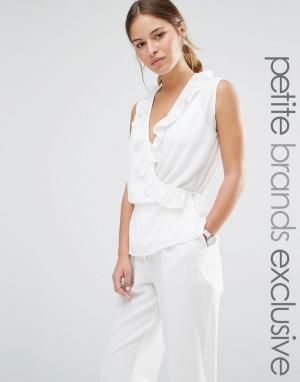 Alter Petite Блузка без рукавов с запахом спереди и оборками. Цвет: кремовый