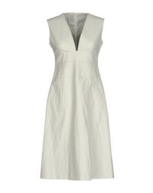 Платье до колена MAISON LAVINIATURRA. Цвет: белый