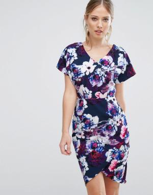 Paper Dolls Платье-футляр с цветочным принтом. Цвет: темно-синий