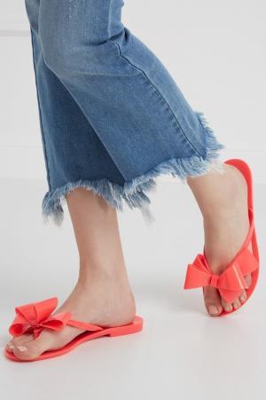 Однотонные сандалии Melissa. Цвет: розовый